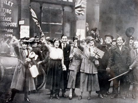 Armistice Day November 1918 in London